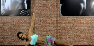 Mulher fazendo exercícios